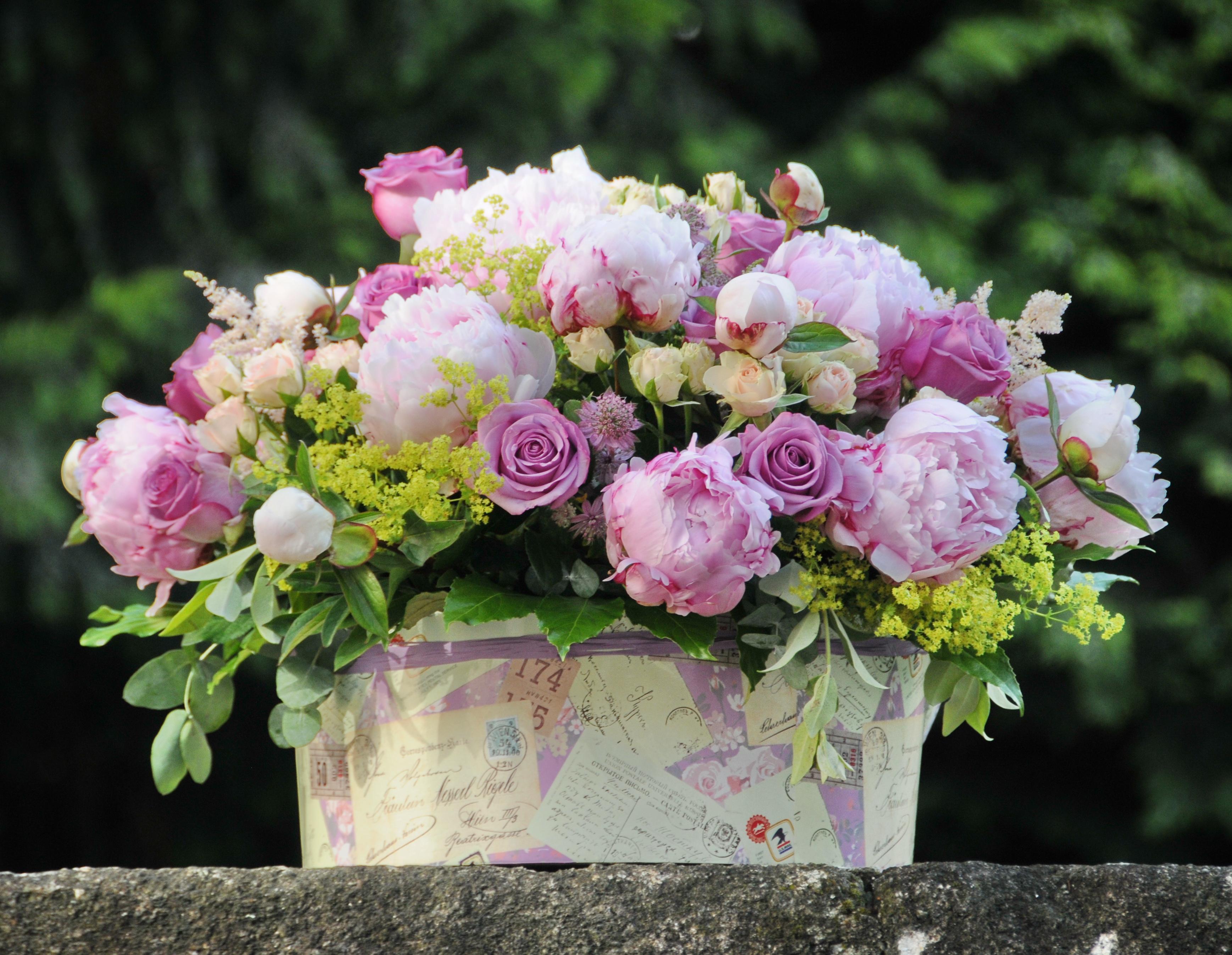 Centro con Peonias y rosas